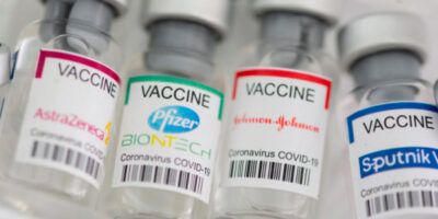FDA estudia la combinación de vacunas como dosis de refuerzo
